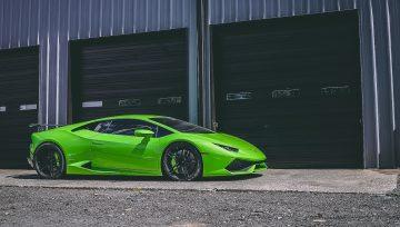 Lamborghini Huracan brake caliper painting service